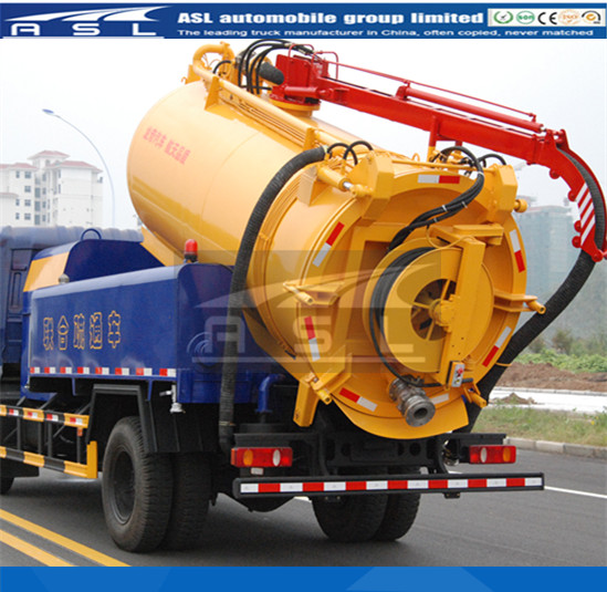 Combi Sewer Jetting And Vacuum Trucks also equipped with Italy PN vacuum pump