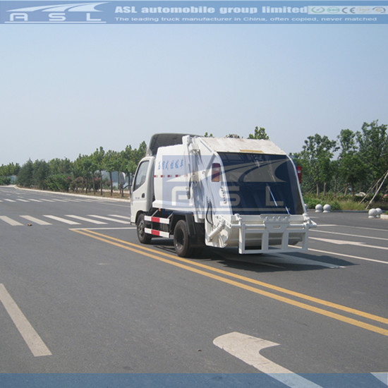 FOTON Auling 5CBM Refuse Collection Trucks have comperssion function automatically